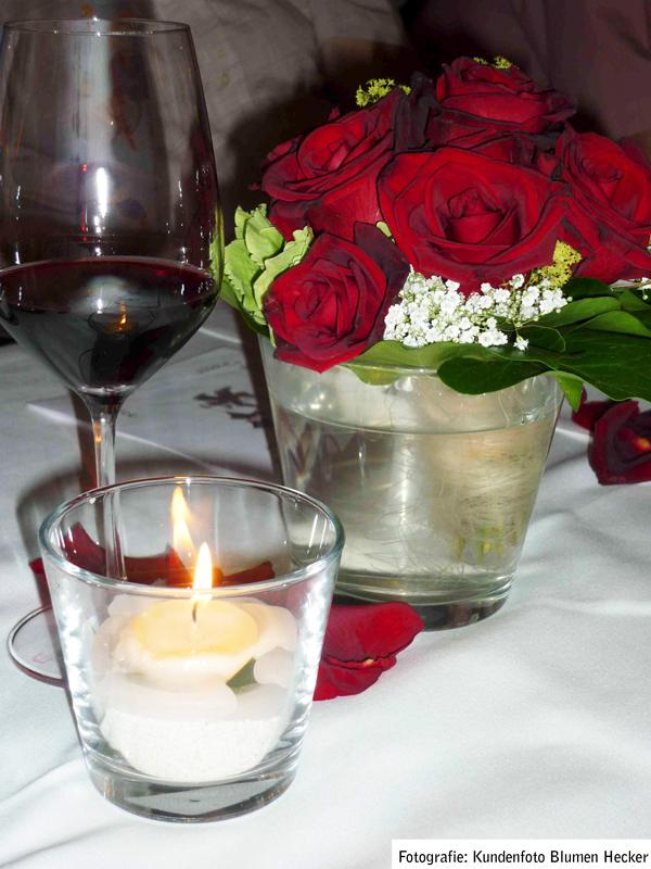 Tischdekoration Blumen Hecker