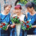 Brautstrauss in blau und rot