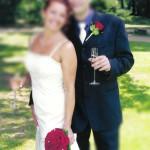 Brautstrauss und Anstecker mit roten Rosen